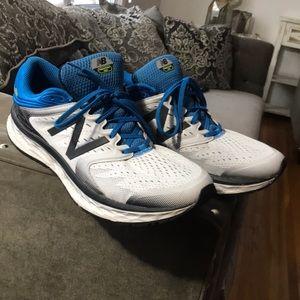 New Balance men's gym shoes 15